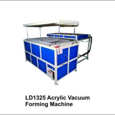 Advertising-Vacuum-Forming-Machine