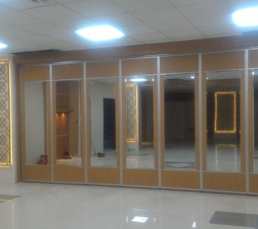pintu lipat semi